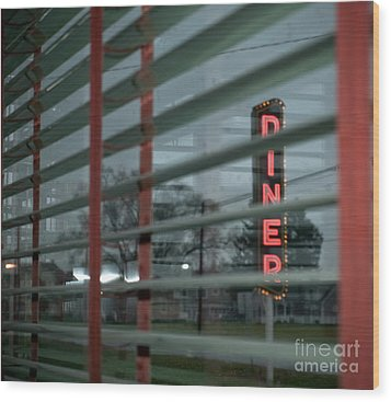 Inside The Diner Wood Print by Kathy Jennings