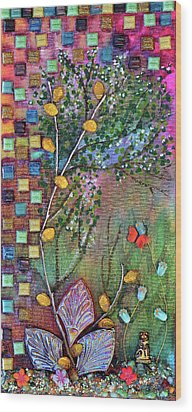 Inside The Garden Wall Wood Print by Donna Blackhall