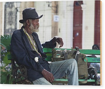 Interesting Cuban Gentleman In A Park On Obrapia Wood Print by Charles Harden