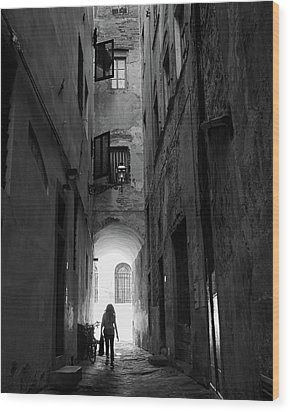 Into The Light, Florence, Italy Wood Print by Richard Goodrich
