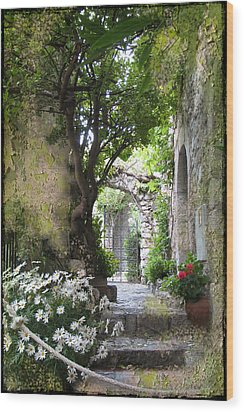 Inviting Courtyard Wood Print