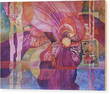 Iris Delight Wood Print by Lynda Hoffman-Snodgrass