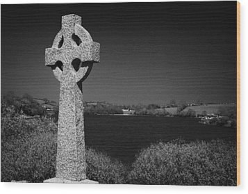 Irish Celtic Cross Overlooking Lake Wood Print by Joe Fox