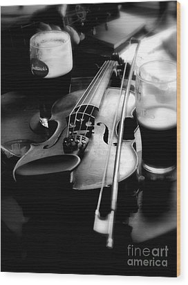 Irish Fiddle On A Break Wood Print