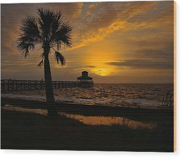 Island Sunrise Wood Print by Judy Vincent