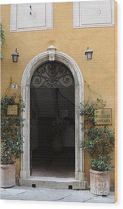 Italy - Door Thirteen Wood Print