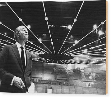 Jack Kent Cooke In The Forum Sports Wood Print by Everett