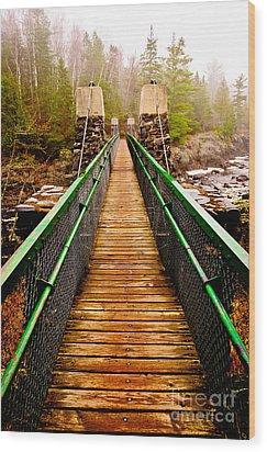 Jay Cooke Swinging Bridge In Fog Wood Print