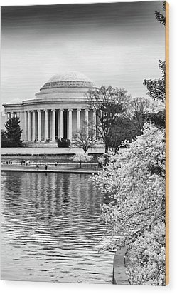 Jefferson Memorial Cherry Blosum Time Wood Print by Paul Seymour