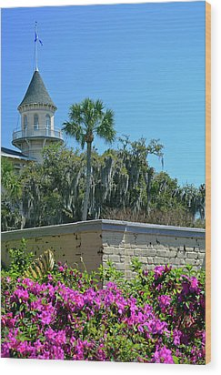 Wood Print featuring the photograph Jekyll Island Club Hotel And Azaleas by Bruce Gourley