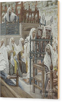 Jesus Unrolls The Book In The Synagogue Wood Print by Tissot