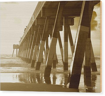 Wood Print featuring the photograph Johnny Mercer Pier At Sunrise by Phil Mancuso