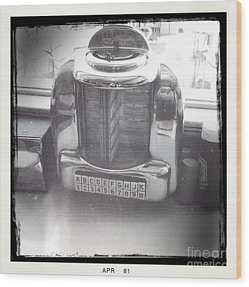 Juke Box Wood Print by Nina Prommer