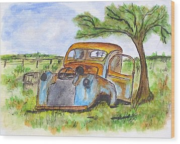 Junk Car And Tree Wood Print by Clyde J Kell