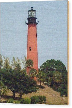 Wood Print featuring the photograph Jupiter Inlet Lighthouse by Frederic Kohli