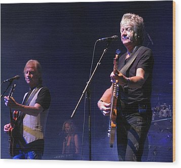 Justin And John Of The Moody Blues Wood Print by Melinda Saminski