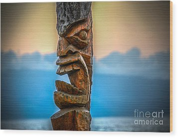 Wood Print featuring the photograph Ka'anapali Tiki by Kelly Wade