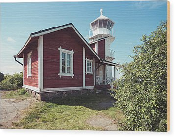 Wood Print featuring the photograph Kallo Lighthouse by Ari Salmela