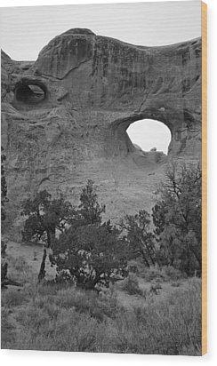 Keyhole Arch Wood Print by Brian M Lumley