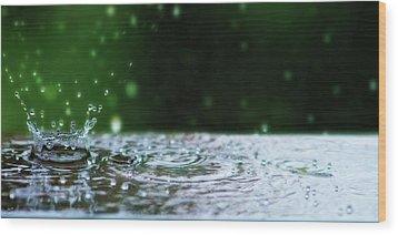 Kinetic Raindrops Wood Print by Lisa Knechtel