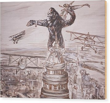 King Kong - Atop The Empire State Building Wood Print