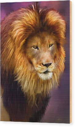 King Wood Print by Michael Greenaway