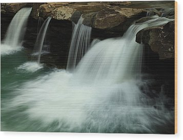 King River Falls In Spring Wood Print by Iris Greenwell