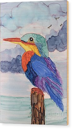 Kingfisher On Post Wood Print by Suzanne Canner