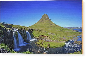 Wood Print featuring the photograph Kirkjufell Iceland by Edward Fielding