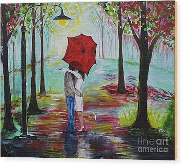Kiss Me In The Rain Wood Print by Leslie Allen