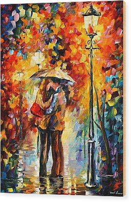 Kiss Under The Rain Wood Print by Leonid Afremov