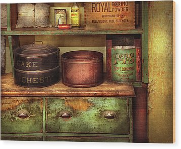 Kitchen - Food - The Cake Chest Wood Print by Mike Savad