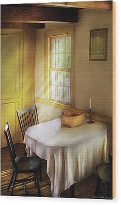 Kitchen - The Empty Basket Wood Print by Mike Savad