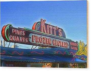 Kitts Frozen Custard Stand Wood Print