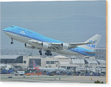 Wood Print featuring the photograph Klm Boeing 747-406m Ph-bfh Los Angeles International Airport May 3 2016 by Brian Lockett