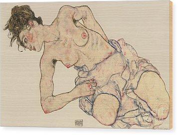 Kneider Weiblicher Halbakt Wood Print by Egon Schiele
