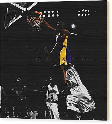 Kobe Bryant On Top Of Dwight Howard Wood Print