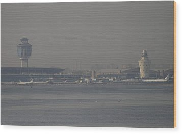 La Guardia From The Bronx Wood Print by Christopher Kirby
