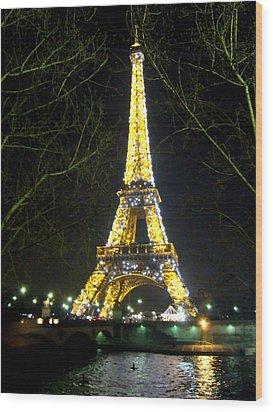 La Tour Eiffel En Nuit Wood Print by Al Bourassa