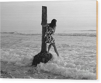 Lady In The Surf Wood Print by David Lee Thompson