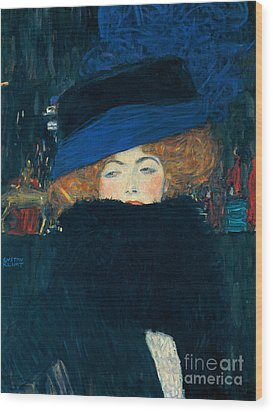 Lady With A Hat And A Feather Boa Wood Print by Gustav Klimt