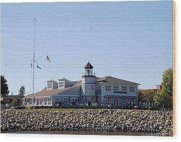 Lake City Lighthouse Wood Print by Larry Nielson