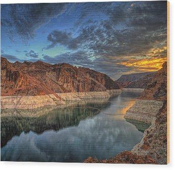 Lake Mead Sunrise Wood Print