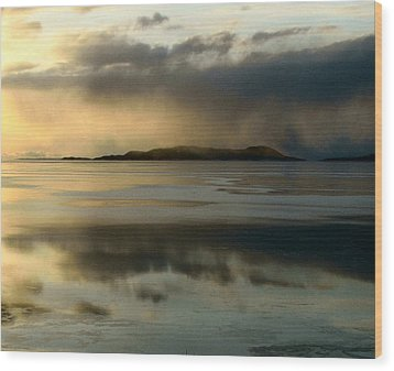 Lake Mist Over Pic Island Wood Print by Laura Wergin Comeau