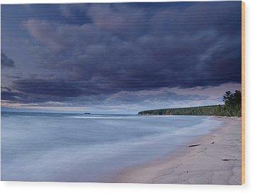 Lake Superior Shoreline Wood Print by Eric Foltz