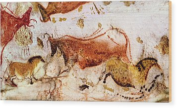 Lascaux Cow And Horses Wood Print