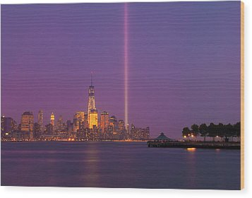 Laser Twin Towers In New York City Wood Print