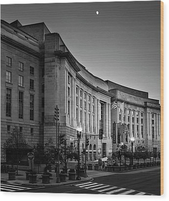 Wood Print featuring the photograph Late Evening At The Ronald Reagan Building In Black And White by Greg Mimbs
