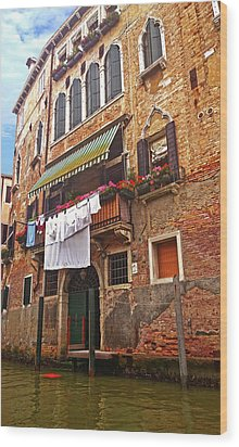 Wood Print featuring the photograph Laundry Drying In Venice by Anne Kotan