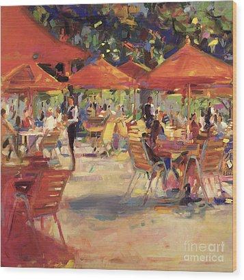 Le Cafe Du Jardin  Wood Print by Peter Graham
